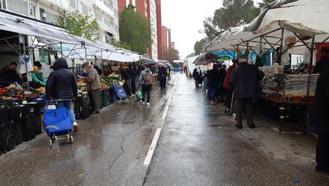 Feria ambulante junto al parque de la Dehesa Boyal