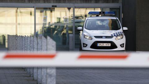 Un vehículo de la Policía Local de Lugo, en la sede del cuerpo.