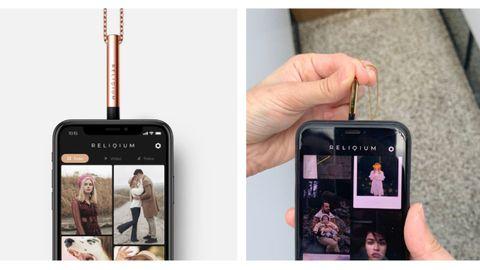 Basta con acerca el móvil al colgante para tener acceso a más de doscientos recuerdos en forma de fotografías o vídeos