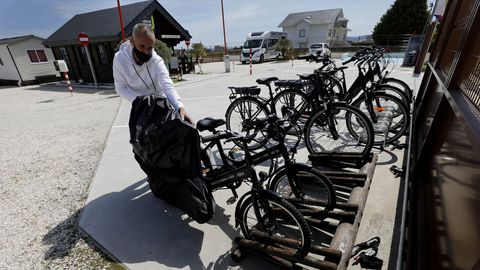 Las primeras bicis de Mariña EBike están disponibles en Atalaia Camper Park, en Foz