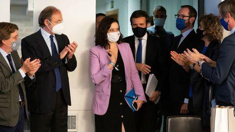El presidente del PP, Pablo Casado, junto a la presidenta madrileña en funciones, Isabel Diaz Ayuso, este miércoles a su llegada a la reunión del comité ejecutivo nacional del partido.