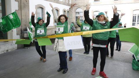 Miembros del sindicato de enfermería Satse en Pontevedra, en una imagen de archivo de una protesta del 2016 por la carrera profesional