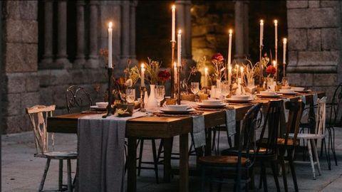 Uno de los modelos de banquete de boda reducido organizados por Guirnalda