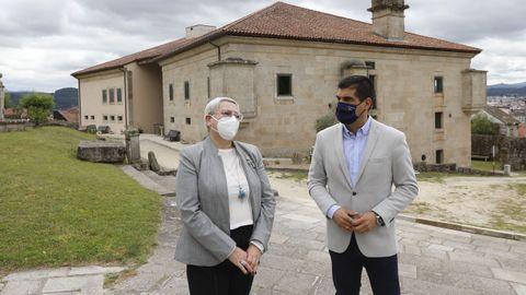 La coordinadora autonómica, Ofelia Debén, trasladó una serie de asuntos al delegado territorial, Gabriel Alén, durante la visita de este jueves