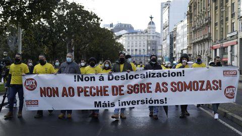 Imagen de archivo de una de las últimas manifestaciones contra el cierre de la central térmica en A Coruña