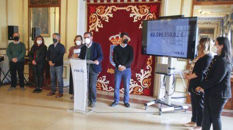 El alcalde, Ángel Mato, presentó los presupuestos acompañado por todos los ediles de su gobierno