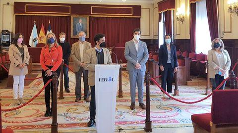 Rey Varela compareció en el salón de plenos para valorar unos presupuestos que no les habían sido entregados