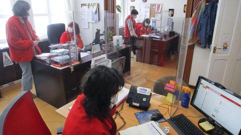 Trabajadores de Cruz Roja en Ferrol