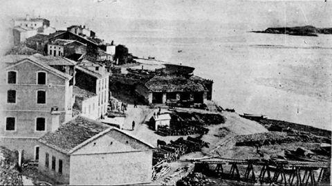 Foz en 1918, donde la vieja aduana, que administraba el padre de Camilo José Cela, era el núcleo del grupo esperantista