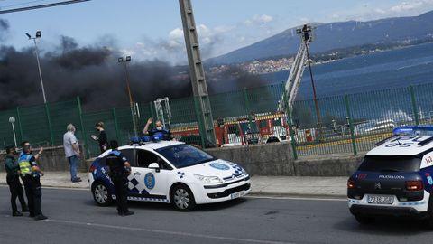 El incendio en Jealsa ha movilizado a muchos profesionales de cuerpos de seguridad y servicios de emergencias
