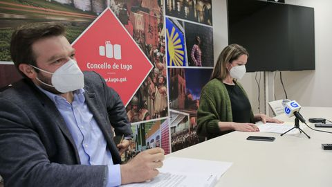 La alcaldesa de Lugo y el edil  de Urbanismo presentaron el inicio de la nueva ordenanza para agilizar licencias