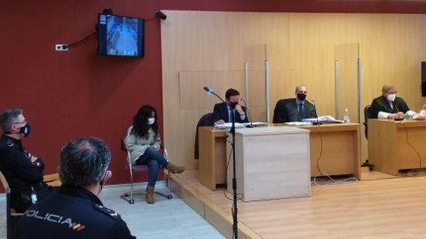 La acusada de asesinar de 53 puñaladas a su bebé recién nacido en Gijón en agosto del 2019, durante el juicio