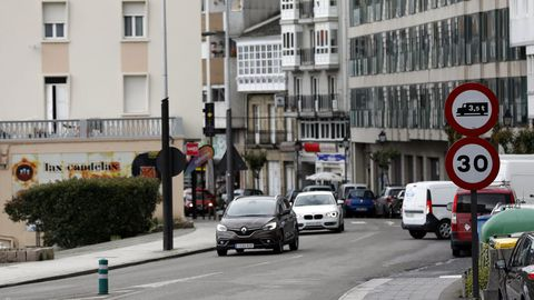 En la Avenida Navia Castrillón, de Viveiro, la velocidad también está limitada a 30