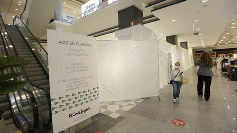 Obras de reforma para el outlet de El Corte Inglés en el centro comercial Marineda City de A Coruña