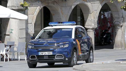 La Policía Nacional de Pontevedra detuvo al joven, de 20 años, con la ayuda de un guardia civil que estaba fuera de servicio