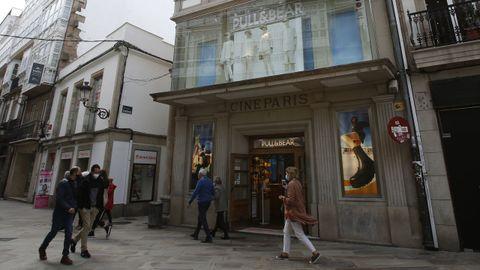 Pull & Bear, en el edificio del cine París, en A Coruña.