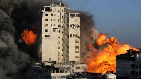 En las últimas 48 horas los israelíes han derribado con misiles tres grandes torres de viviendas de la Franja.