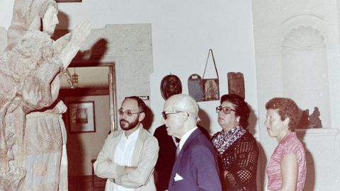 A la derecha, la que fue concejala Tucha Calvo