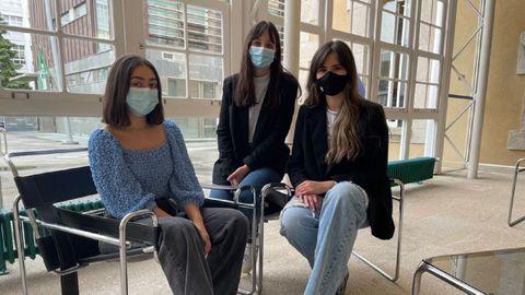 Sara Olmo, Inés Varela y Laura Merelas se llevaron el segundo premio del Explorer por proyecto de lencería para mujeres con cáncer de mama