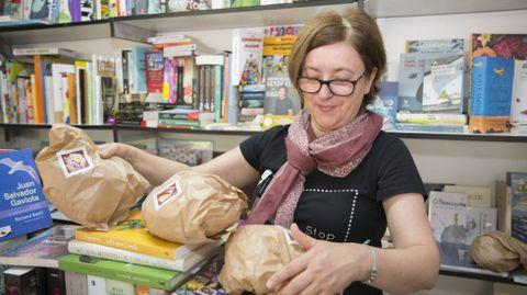 Pan en la Praza dos Libros de Carballo