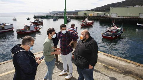 Pesqueros de Burela y de Foz protestan en el puerto burelense