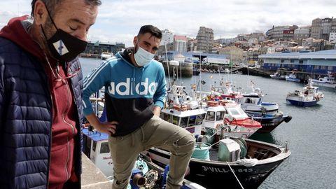 La protesta de los pescadores de bajura en el puerto de Vigo