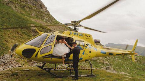 Cristina y Claudio sorprendieron a sus invitados apareciendo en helicóptero.