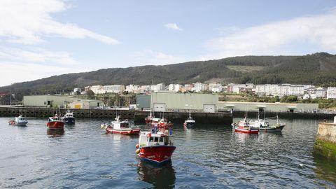 A la protesta en Burela se sumaron barcos de puertos vecinos