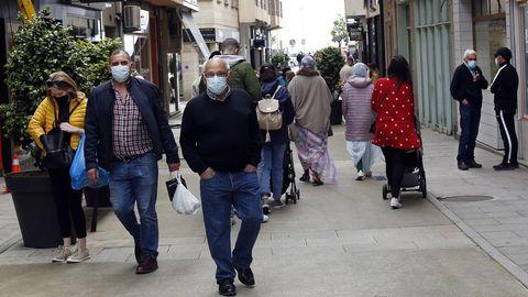Imagen de la calle peatonal de Ribeira, concello donde la cifra de contagiados en 14 días roza los setenta