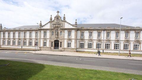 La fachada de Santa María ya luce renovada y sin andamios