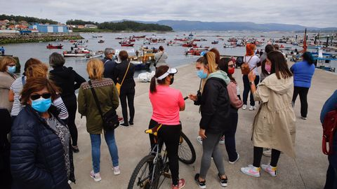 La protesta en A Illa, muy respaldada desde el muelle
