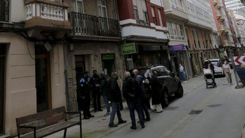 La Policía Nacional acudió al lugar de residencia de una mujer de 100 años tras recibir el aviso de sus vecinos