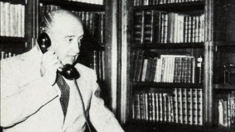 Franco en su despacho de Meirás