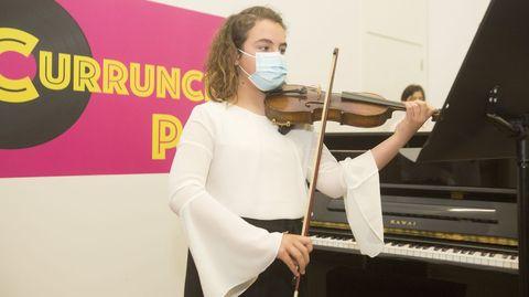 Ainoa Martínez, alumna do Conservatorio carballés