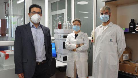 El grupo Biotecnia de la Universidad de Vigo, con Claudio Cameselle (izquierda)