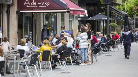 Ambiente en el día de las Letras Galegas en Carballo