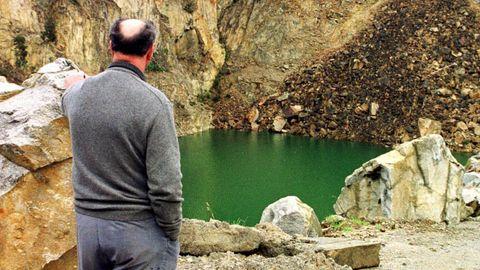 José Cernadas, en una visita a los restos de la cantera hace 21 años