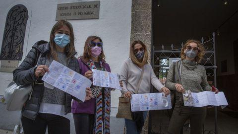 De izquierda a derecha, Carmen, Yolanda, Elisa y Chus, un grupo de viguesas que terminaron ayer el Camino
