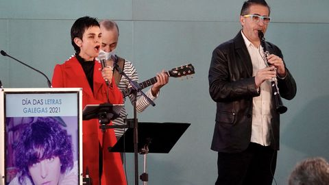 A música na homenaxe a Xela Arias puxérona Mónica de Nut, Fernando Abreu e Pablo Carrera