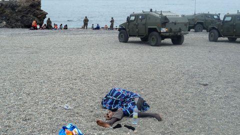 Tanques en los arenales de Ceuta