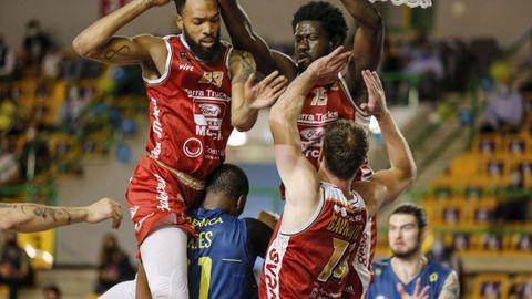 Ambos equipos se jugaban cosas importantes: el COB, no descender y Murcia, plaza para el play off de ascenso