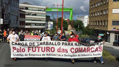 Trabajadores de Ferrol y Fene compartieron marcha cortando el tráfico en algunos tramos de las principales vías de la zona