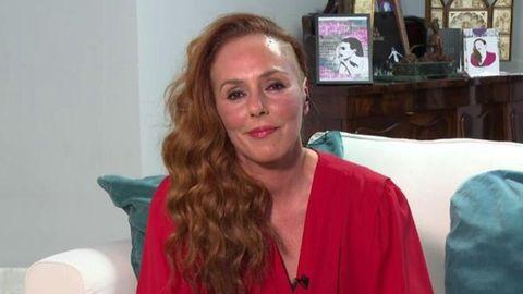 Rocío Carrasco intervino ayer desde el salón de su casa, lleno de recuerdos de su madre