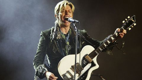 David Bowie en el 2004 en Newport