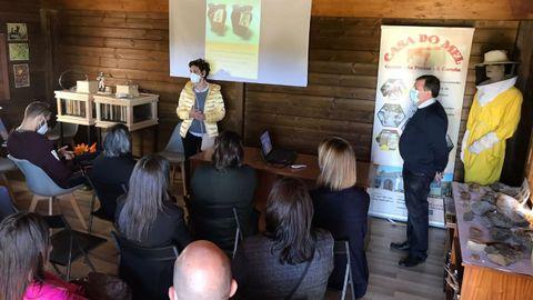 La presentación del proyecto tuvo lugar ayer en el Aula da natureza, cedida por Endesa a la Casa do Mel, en la antigua escombrera