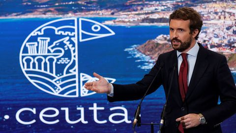 El presidente del PP, Pablo Casado, hizo declaraciones este jueves en su visita al stand de Ceuta de la Feria Internacional de Turismo FITUR, en Madrid