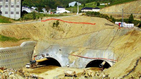La construcción del túnel de Pedrafita do Cebreiro generó críticas por los accesos previstos