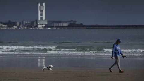 En la playa de Bastiagueiro no estara permitido bajar a pasear a los perros durante el verano