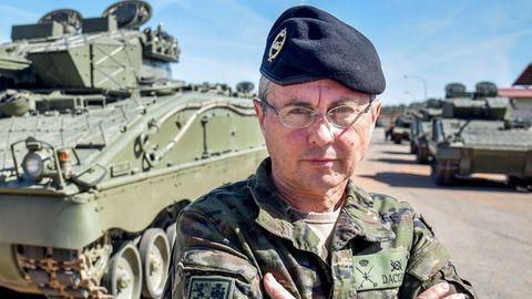 El general ourensano Francisco Dacoba dirige el Instituto de Estudios Estratégicos