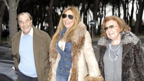 Ana Obregón junto a sus padres en una imagen de archivo